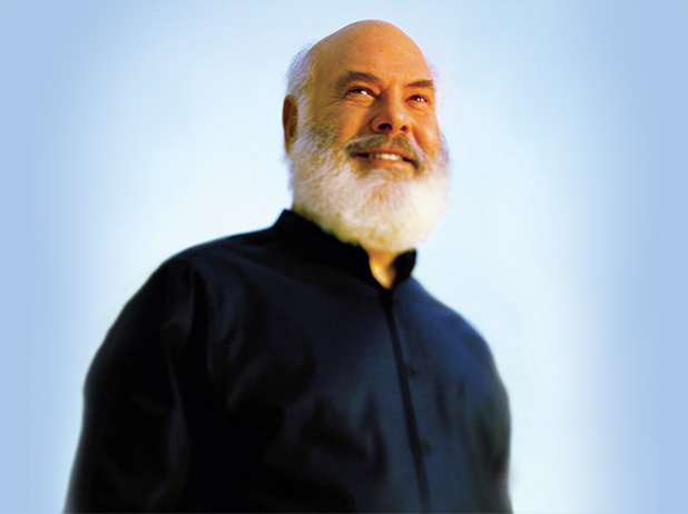 Photo of Dr Andrew Weil